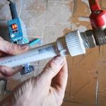 Как запаять полипропиленовую трубу когда течет вода