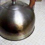 Как очистить посуду от нагара и жира за 10 минут — делаем суперочиститель своими руками