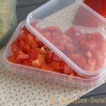 Как замораживать перец для экономии места в холодильнике
