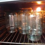 Как стерилизовать банки в духовке — экономим время и ресурсы