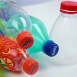 Три идеи для поделок из крышек от пластиковых бутылок