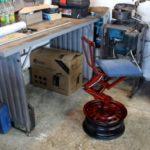 Гаражный стул из домкрата, диска и ступицы