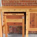 Небольшой стол для улицы