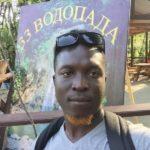 Карьера в России глазами африканца: «Не признаюсь, что работаю курьером в магазине для взрослых»