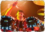 я. Новым барабанщиком группы стал экс-барабанщик HammerFall