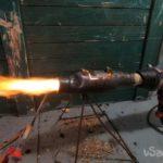 Стройфен на дровах или горелка на твердом топливе