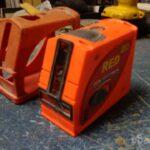 Мелкий ремонт лазерного уровня CoNDTrol Red 2D с небольшим внутренним обзором