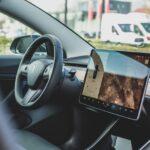 Connected cars: как Tesla и экономический кризис заставили традиционный автопром эволюционировать