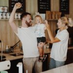 «В Португалии любят и принимают всех». Как переехать в Лиссабон и открыть там кофейню
